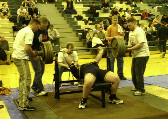 Bob Lipinksi with a competition 465 bench.