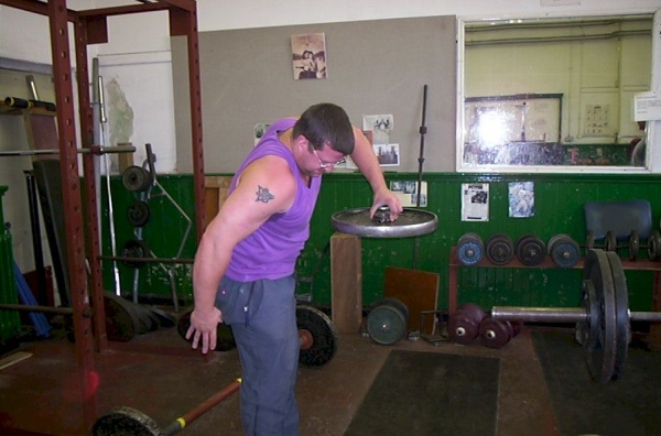 Chris doing a 20kg plate hub pinch high pull.